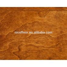 Le grand chanfrein des planchers multicouches en bois de bouleau Plancher multicouches en bois multicouches