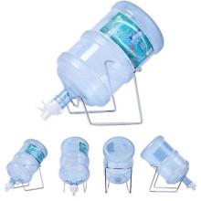 один белый дисплей счетчика для хранения бутылки с водой стойку с краном