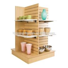 Slatwall 4-Wege-Boden-Einheit Einzigartiges Lebensmittelgeschäft Merchandising Display-Leuchten Ahorn Holz Einzelhandel Regal