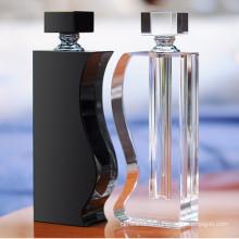 Bouteille de parfum en verre innovatrice en cristal pour le cadeau de mariage