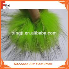 Pom Pom de fourrure de raton laveur teint de qualité supérieure