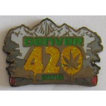 Insigne de revers de vente en gros de métal avec des paillettes (insigne-179)