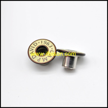 Botón de los pantalones vaqueros con el Logo de esmalte