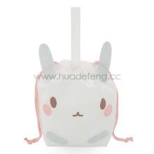 Weiße Vlies-Geschenkverpackungstasche mit Hasenpartygriff