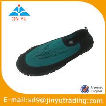 Chaussures d'eau faciles à la plage