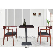 Table en bois massif de style nordique avec chaise Kennedy