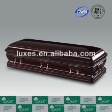 Belo caixão de madeira