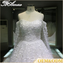 2016 China wholesale Off shoulder long train lace applique halter wedding dress