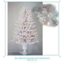 Искусственные новогодние 2013 елка в горшке с легкими