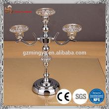 Decoración navideña aleación metálica material de vidrio elegante candelabro