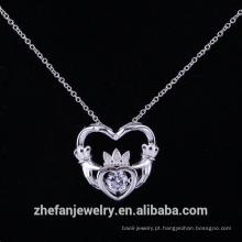 Gravura pingente de prata esterlina dançando pedra banhado a prata designer