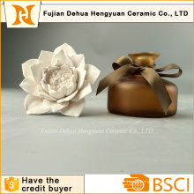 Bouteille de parfum de haute qualité avec bouchon de fleur en céramique
