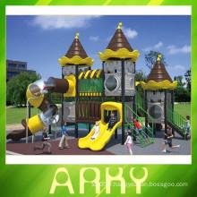 Équipement de terrain de jeux attrayant pour la ville en plein air
