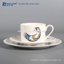 Blanco animal diseño vajilla placa y taza hueso china dinnerset