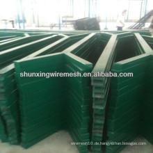 China-Lieferant Y-Art Stern-Zaunpfosten / runder PVC-beschichteter Zaunpfosten in der Qualität