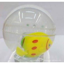 Высокий отскок мяча ( рыба плавает внутри)