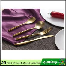 4pcs venda quente de aço inoxidável banhado a ouro conjunto de talheres