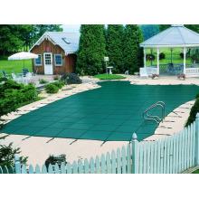 Bâche de PVC utilisée comme couverture de piscine