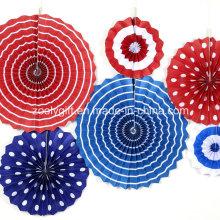 Decoración plegable del partido que cuelga el rosetón hecho a mano del ventilador de la rueda de papel con la cuerda y la etiqueta engomada