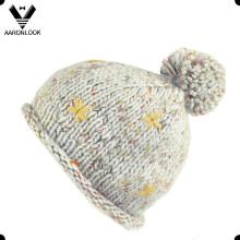 Chapeau à tricoter hiver avec boule
