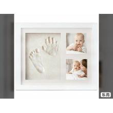 Прекрасный ребенок фото след отпечаток руки отпечаток