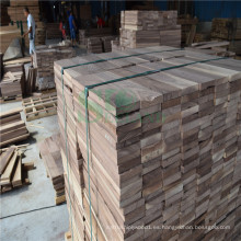 Naturaleza registro nogal utilizado en piso de madera crudo