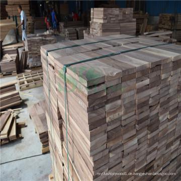 Natur Nussbaum Log auf rohem Holz Boden verwendet