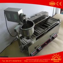 Máquina automática de la freidora del buñuelo de la donadora del buñuelo