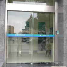 Conduite de porte coulissante automatique à conception flexible et simple