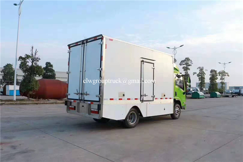 Refrigerated Truck 14