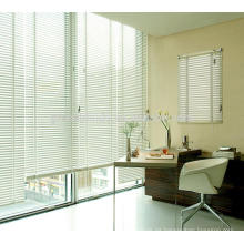 Las persianas venecianas modificadas para requisitos particulares del último personalizar las ventanas persianas de los colores múltiples