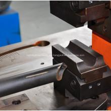 Punzonadora de orificios de tubos de acero con ángulo de metal