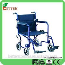 Fauteuil roulant de transport léger pliable avec ceinture de sécurité