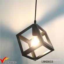 Suministros de iluminación colgantes metálicos industriales negros del vintage