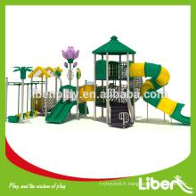 Tapis en caoutchouc drôle, pavé, maison de paille, structure de jeu pour enfants avec balançoire et fitness en plein air