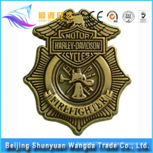 China Supplier Die Cast Custom Made Metal Badge with Your Own Design