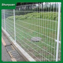 Fabricação de cercas de aço revestidas de pvc para rodovias