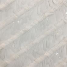 Bordado de lentejuelas 3D de color blanco sobre tela de malla