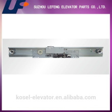 Mitsubishi Elevator Landing Door Hanger, Center Eröffnung Two Panel Landing Door Device