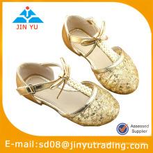 Chaussures de bébé à croche d'été bon marché