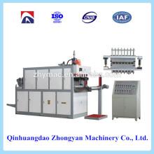 Thermoformmaschine, Plastikbecher, wodurch Maschine Preis