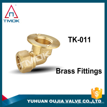 "accesorios de tubería de latón bridados con conector de PVC codo de 105 grados 3/8 ""unión de buje de acoplamiento de niple doble metairal de latón"