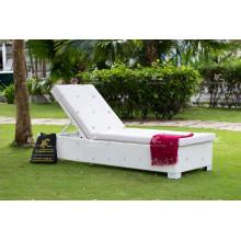 Lastest Design Top Verkauf von hochwertigen synthetischen Wicker Rattan Strand Sunlounge Outdoor Möbel