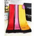 Bufanda de acrílico de rayas de colores sólidos