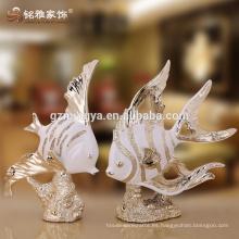 Decoración de interiores lucky cute pescado resina artesanías estatuas hermosas decoraciones para el hogar decoración del hotel piezas