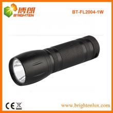 Vente en vrac en usine Matériau en alliage d'aluminium noir 1watt Petite lampe fluorescente puissante avec batterie 3 * AAA