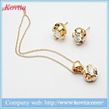 Italian Wholesales Fashionable 18K Gold Plated Alloy Rhinestone Jewelry Set