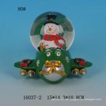 Los globos encantadores de la nieve de la resina del diseño 80MM de Santa venden al por mayor