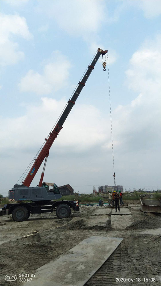 Crane Boom Deflection