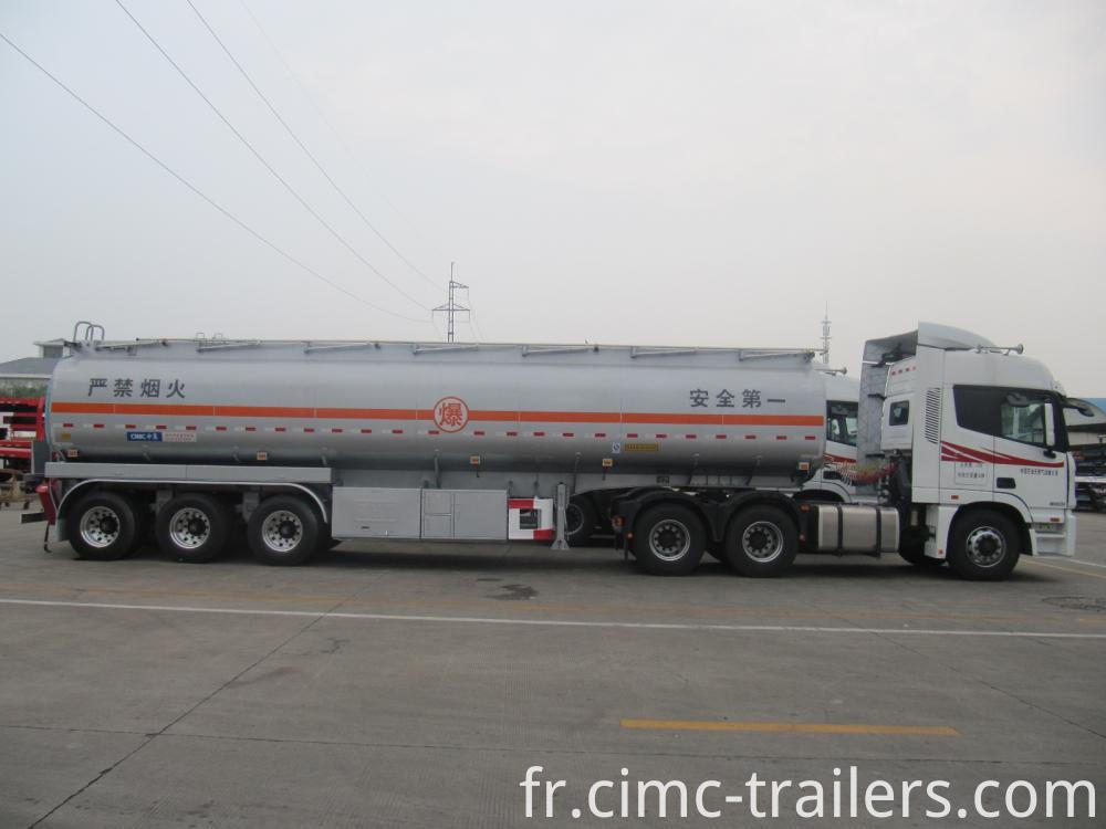 With Head 42cbm Tri Axle Carbon Steel Fuel Tank Semi Trailer